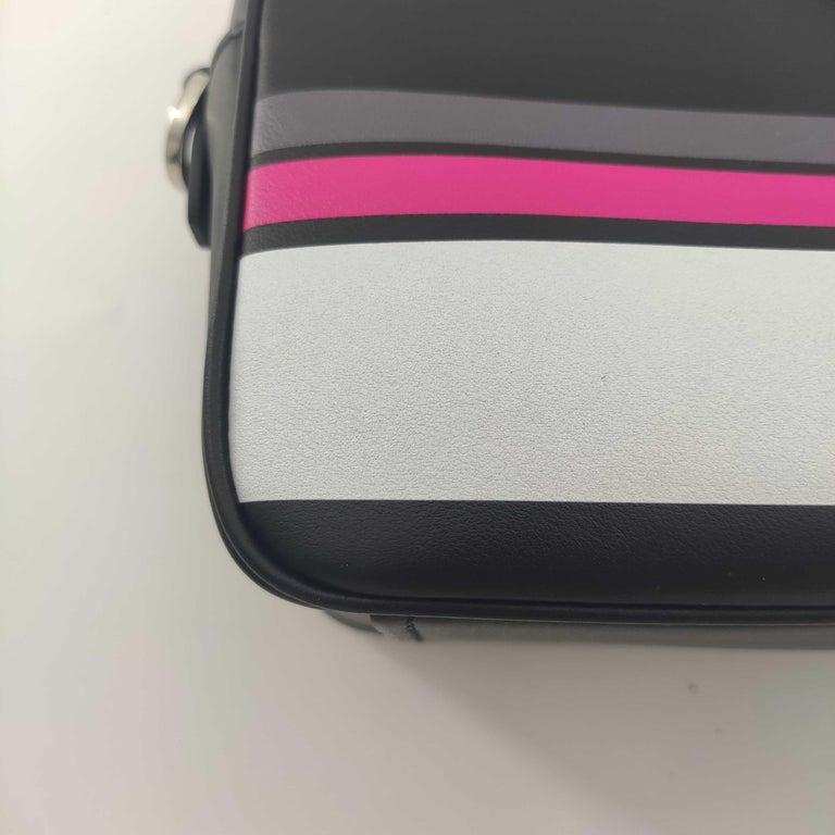 PRADA Shoulder bag in Black Leather For Sale 5