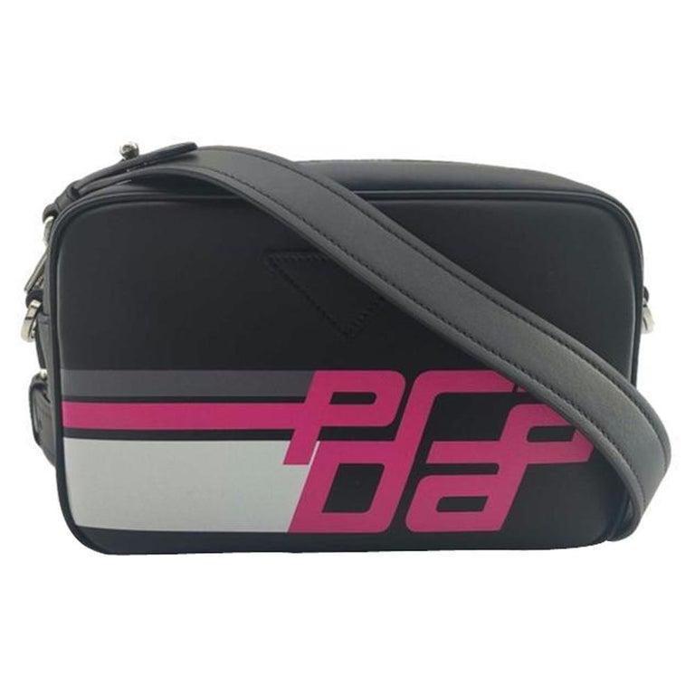PRADA Shoulder bag in Black Leather For Sale