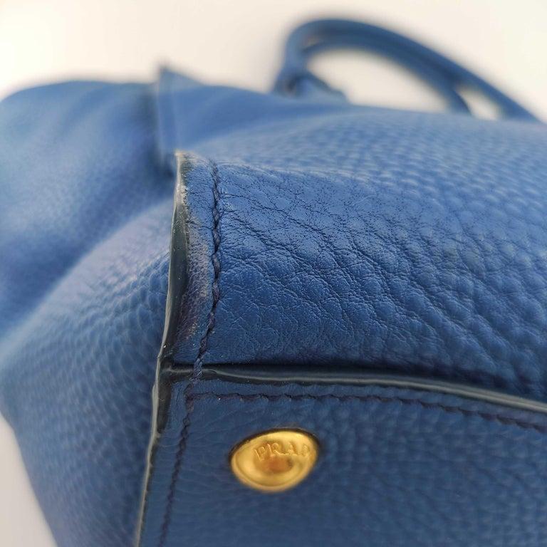 PRADA Shoulder bag in Blue Leather For Sale 7