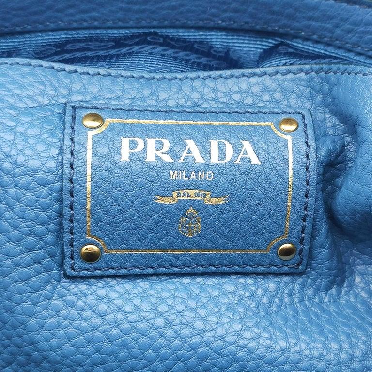 PRADA Shoulder bag in Blue Leather For Sale 3