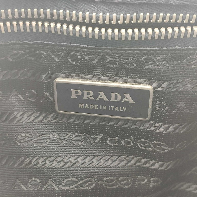 PRADA Shoulder bag in Blue Leather For Sale 2
