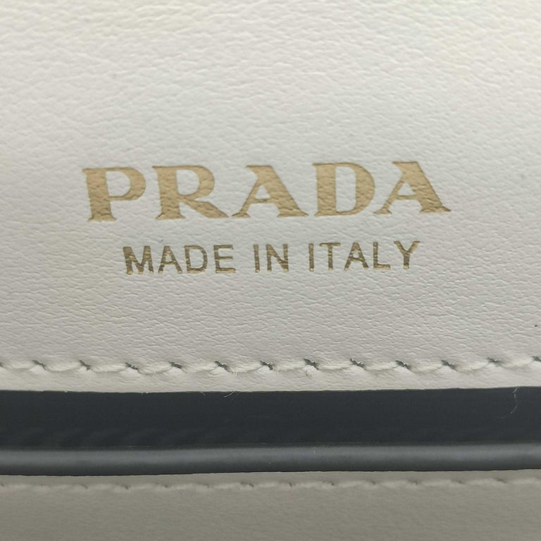PRADA Shoulder bag in White Leather For Sale 2
