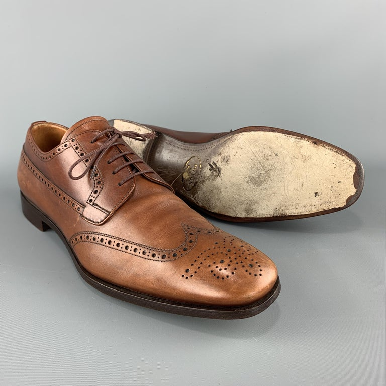 PRADA Size 10.5 Tan Leather Wingtip Lace Up Brogues In Good Condition For Sale In San Francisco, CA