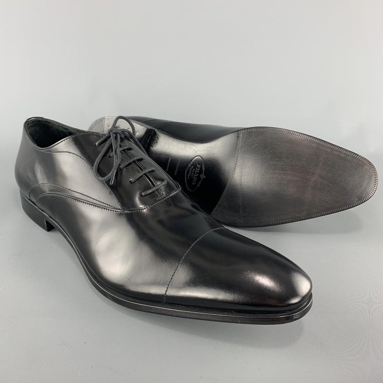 PRADA Size 11.5 Black Polished Leather Pointed Lace Up Dress Shoe In New Condition For Sale In San Francisco, CA