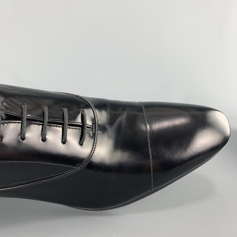 Men's PRADA Size 11.5 Black Polished Leather Pointed Lace Up Dress Shoe For Sale