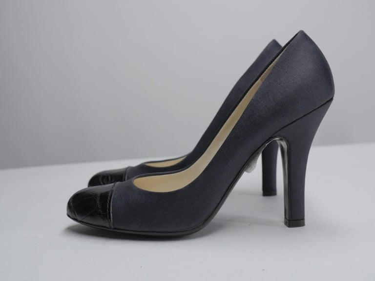 Prada Size 37 Black Pumps For Sale 6