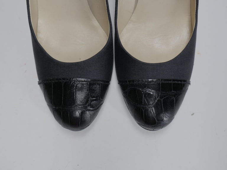 Prada Size 37 Black Pumps In New Condition For Sale In Southampton, NY