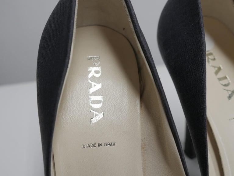 Women's or Men's Prada Size 37 Black Pumps For Sale