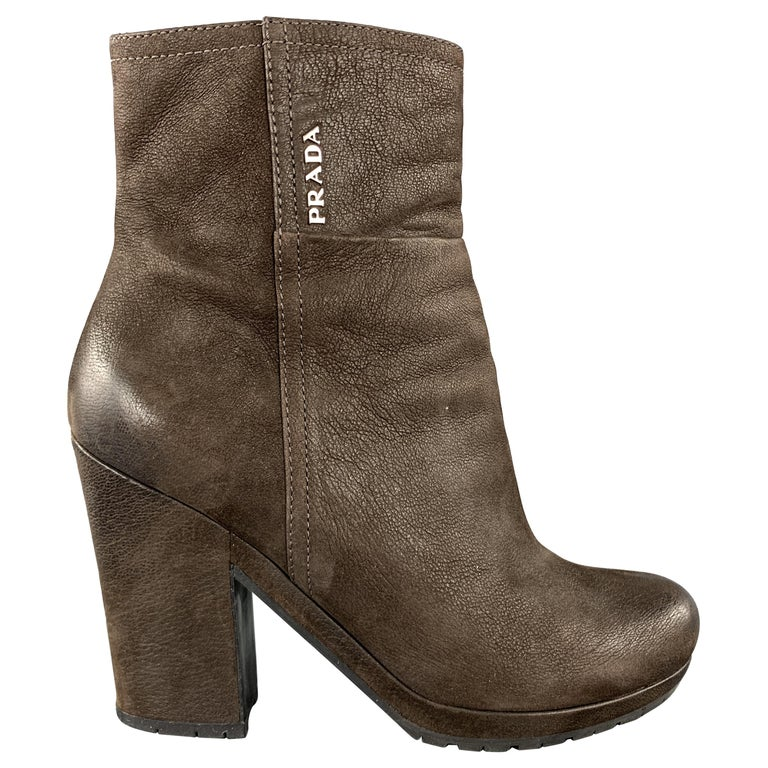 PRADA Size 7.5 Brown Leather Chunky Heel Ankle Boots For Sale