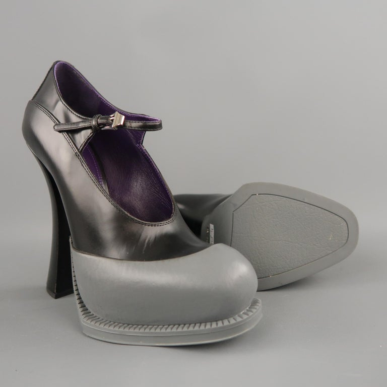 Women's PRADA Size 8.5 Black Leather Gray Rubber Dipped Platform Mary Jane Pumps For Sale
