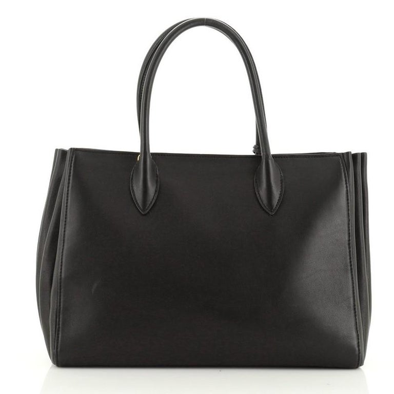 Prada Soft Bibliotheque Tote City Calfskin Large In Good Condition For Sale In New York, NY