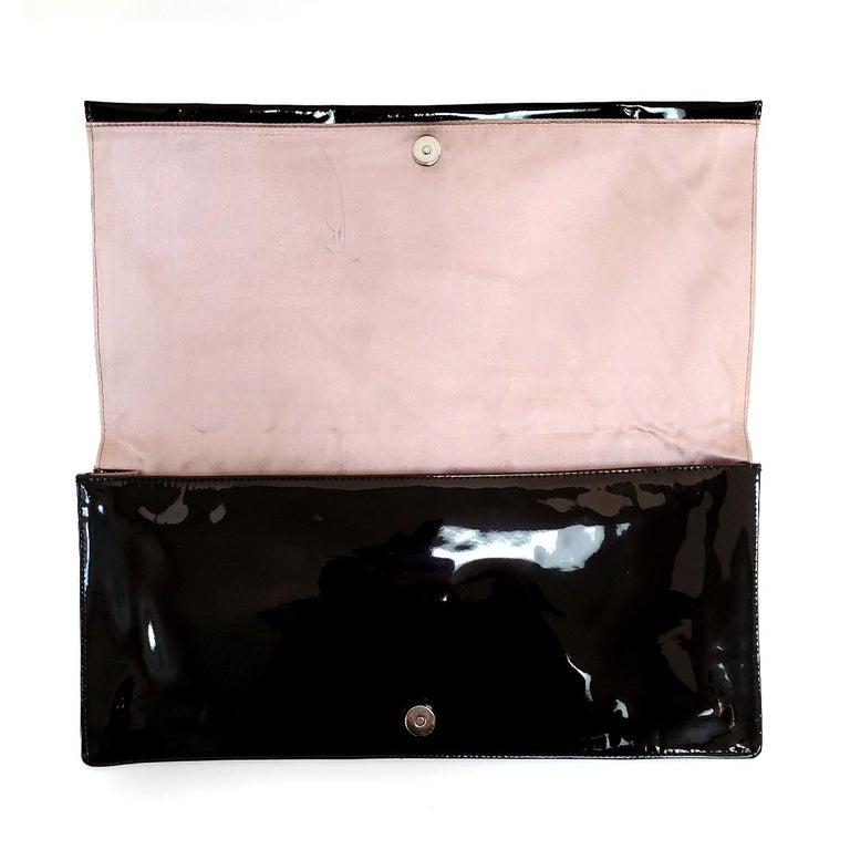 Prada Spazzolato C;assic Black Clutch Handbag In Good Condition For Sale In Columbia, MO