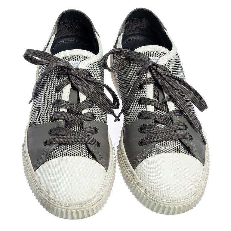 Prada Sport White/Grey Nylon Knit And Rubber Lace Up Sneakers Size 45.5 In Good Condition For Sale In Dubai, Al Qouz 2