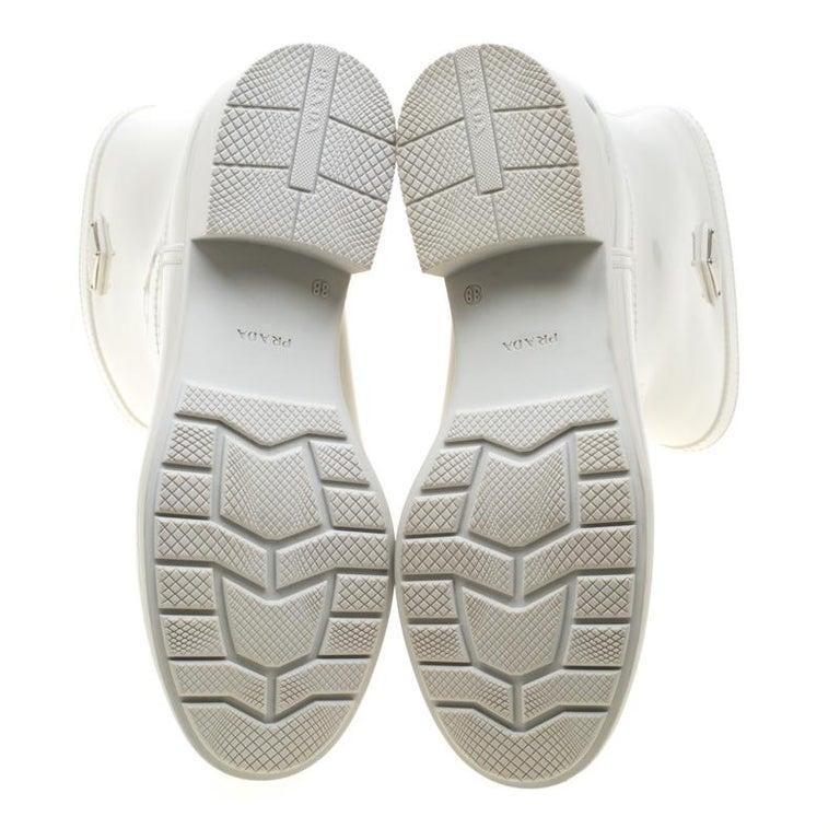 Prada Sport White Rubber Clay Rain Boots Size 38 In Good Condition For Sale In Dubai, Al Qouz 2