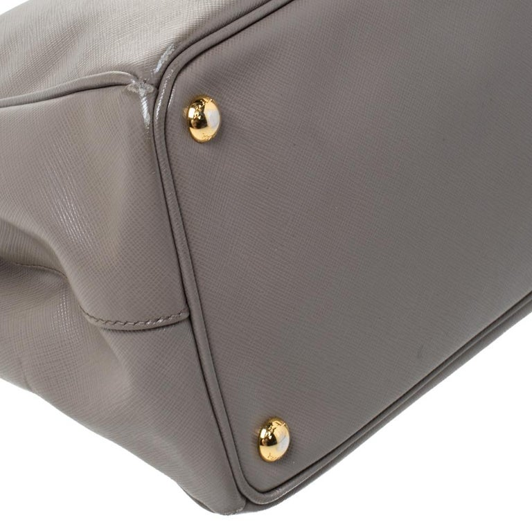 Prada Taupe Saffiano Lux Leather Large Double Zip Tote For Sale 5
