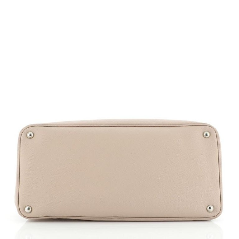Women's or Men's Prada Turnlock Cuir Twin Tote Saffiano Leather Medium For Sale