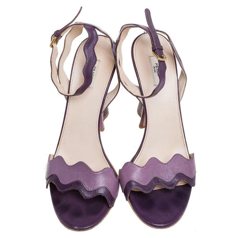 Prada Two Tone Purple Leather Wave Ankle Strap Sandals Size 37 In Good Condition For Sale In Dubai, Al Qouz 2