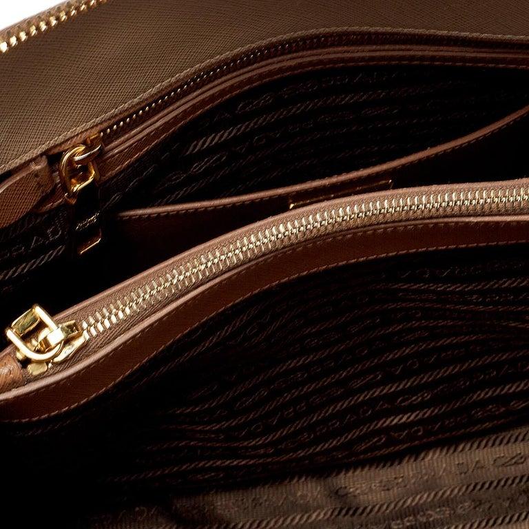 Prada Two Tone Saffiano Lux Leather Promenade Satchel For Sale 5