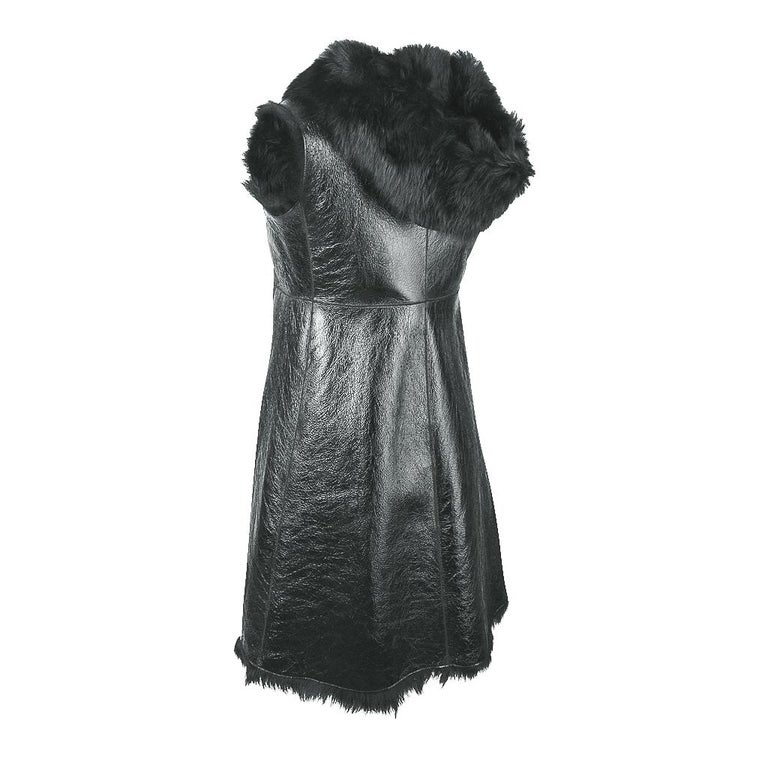 Prada Vest Knee Length Patent Leather Shearling Fur  42 / 8 For Sale 6