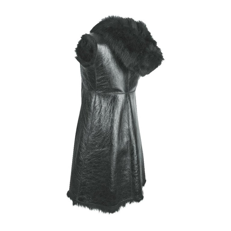 Prada Vest Knee Length Patent Leather Shearling Fur  42 / 8 For Sale 7