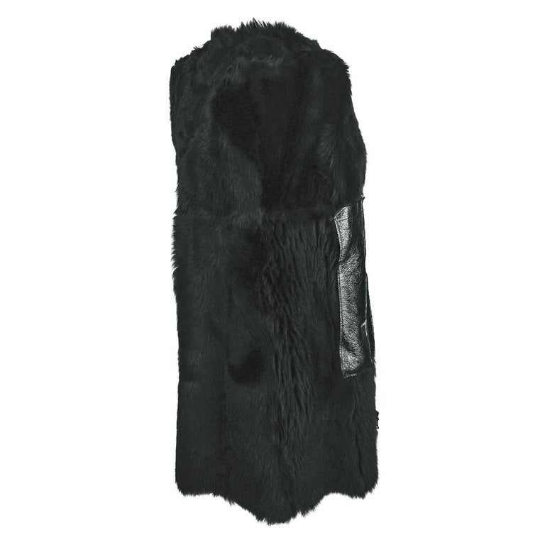 Prada Vest Knee Length Patent Leather Shearling Fur  42 / 8 For Sale 10