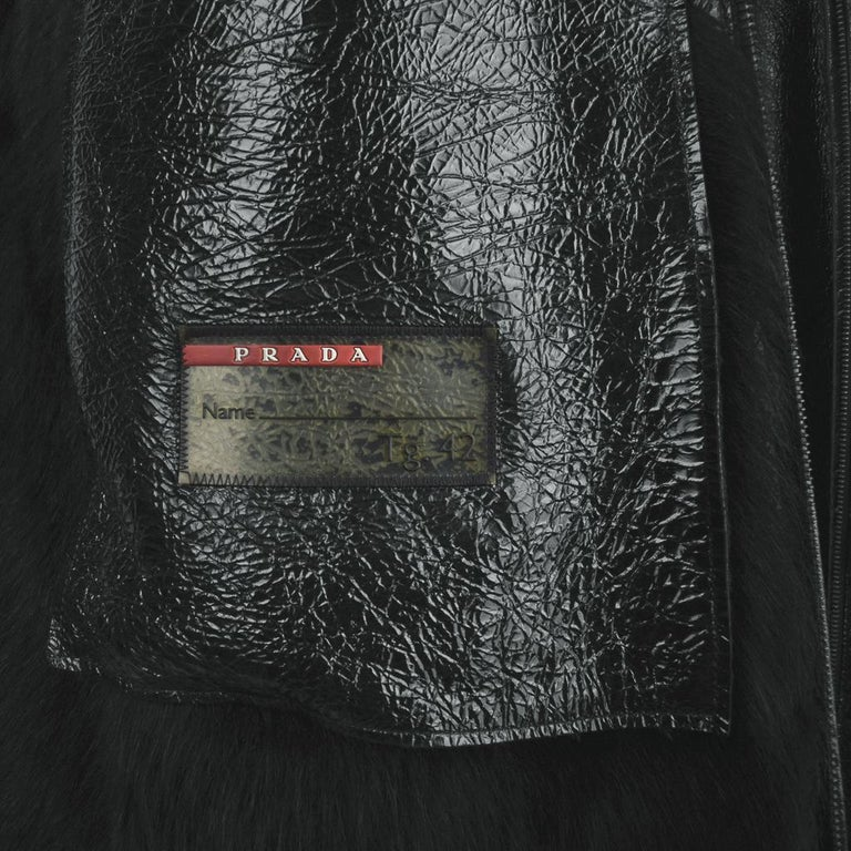 Prada Vest Knee Length Patent Leather Shearling Fur  42 / 8 For Sale 12