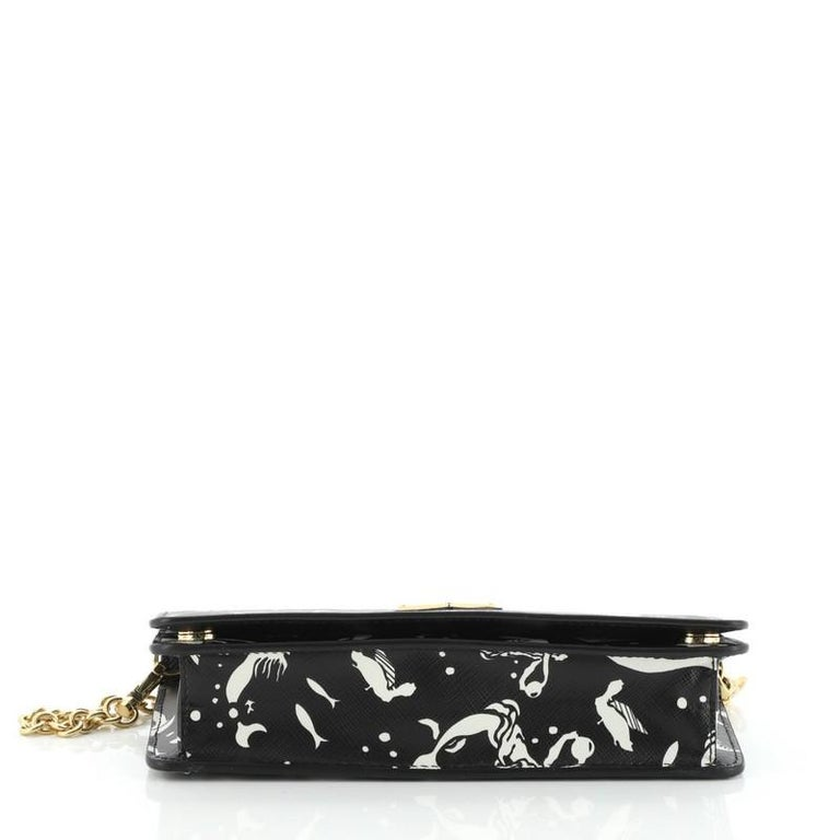 Prada: Wallet on Chain Printed Saffiano Leather In Good Condition For Sale In New York, NY
