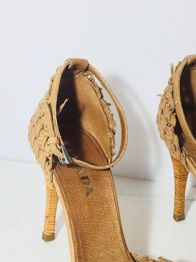 Prada Weaved Heels In Excellent Condition For Sale In Southampton, NY