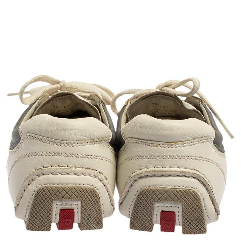 Prada White/Grey Nylon And Leather Low Top Sneakers Size 41.5 In Good Condition For Sale In Dubai, Al Qouz 2