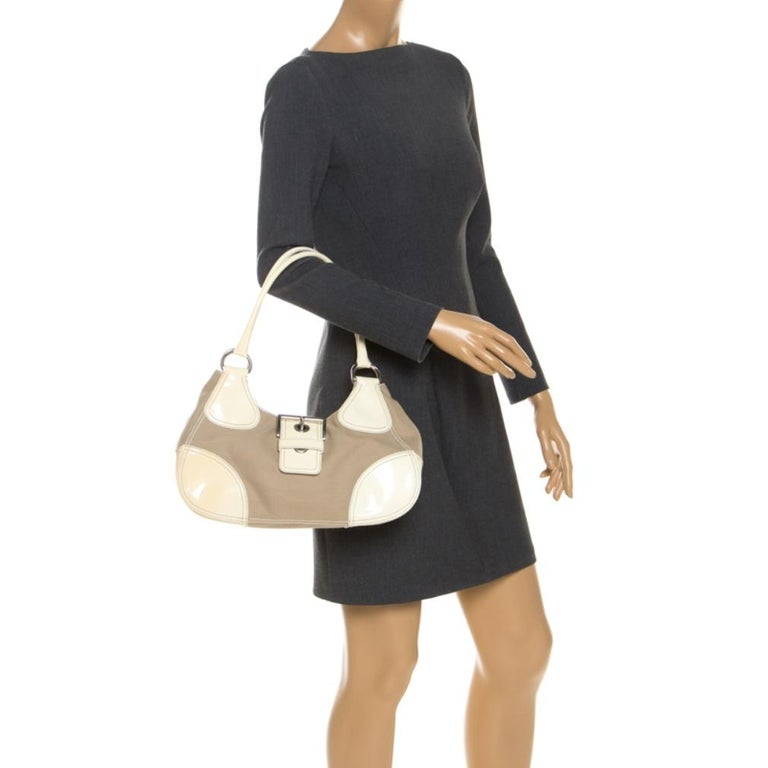Prada White Leather and Canvas Shoulder Bag In Excellent Condition For Sale In Dubai, Al Qouz 2