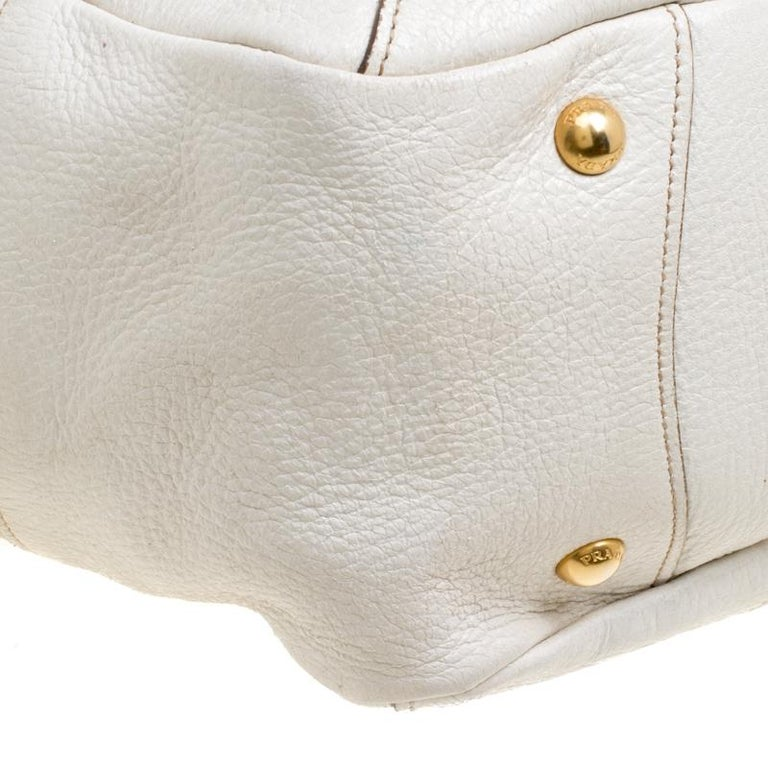 b5f4149334ed00 Prada White Shimmering Deerskin Leather Chain Hobo For Sale at 1stdibs