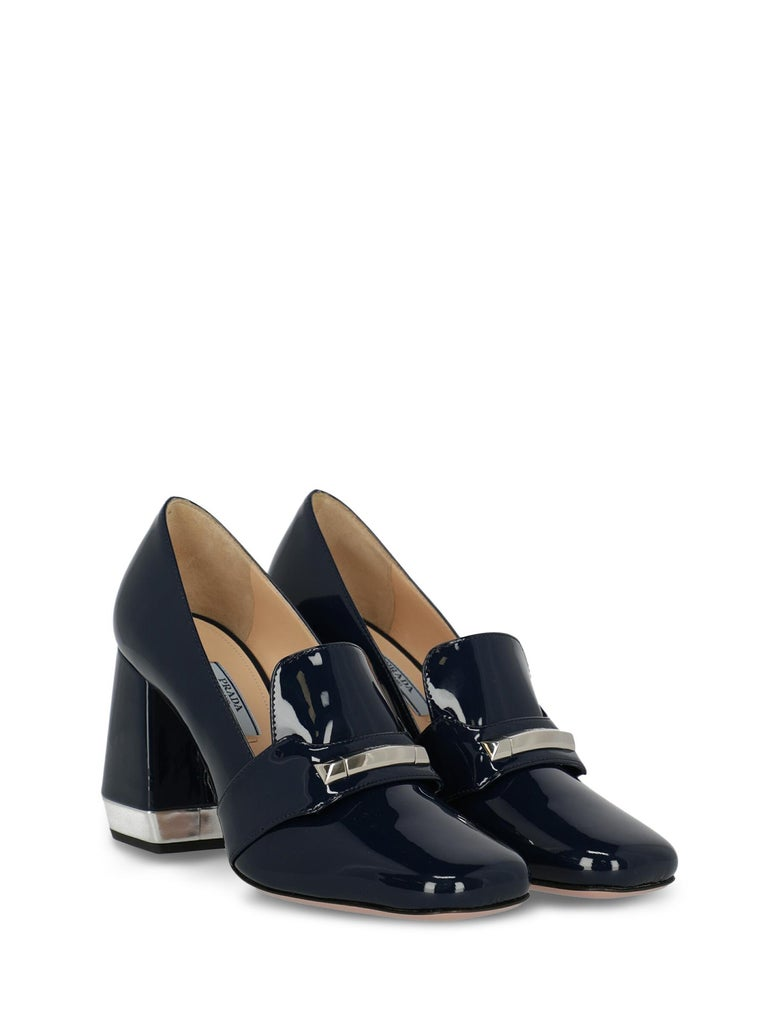 Loafers, leather, solid color, shiny effect, slip-on style, internal logo, front logo, patent, square toe, branded insole, branded sole, block heel, mid heel, leather lining. Product Condition: Like New With Tag.