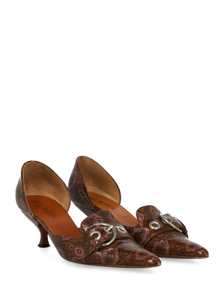 Shoe, leather, other patterns, front logo, silver-tone hardware, pointed toe, branded insole, cone heel, mid heel  Includes: N\A - Product Condition: Very Good Heel: negligible marks. Sole: visible signs of use. Upper: slightly visible wrinkling.