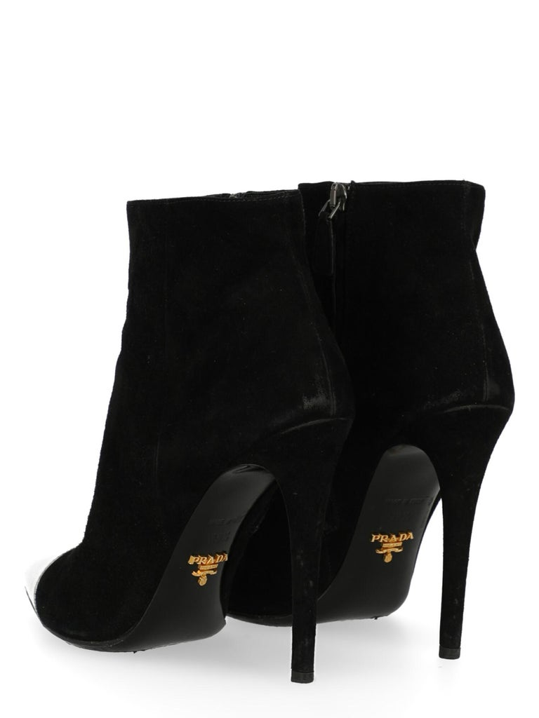 Prada  Women   Ankle boots  Black Leather EU 38.5 In Fair Condition For Sale In Milan, IT