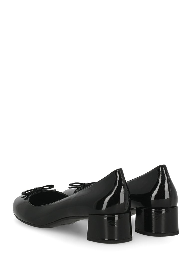 Prada  Women   Pumps  Black Leather EU 39 In Excellent Condition For Sale In Milan, IT