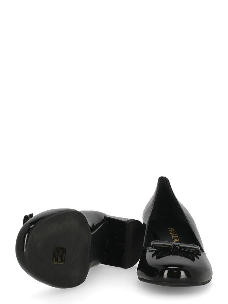 Women's Prada  Women   Pumps  Black Leather EU 39 For Sale