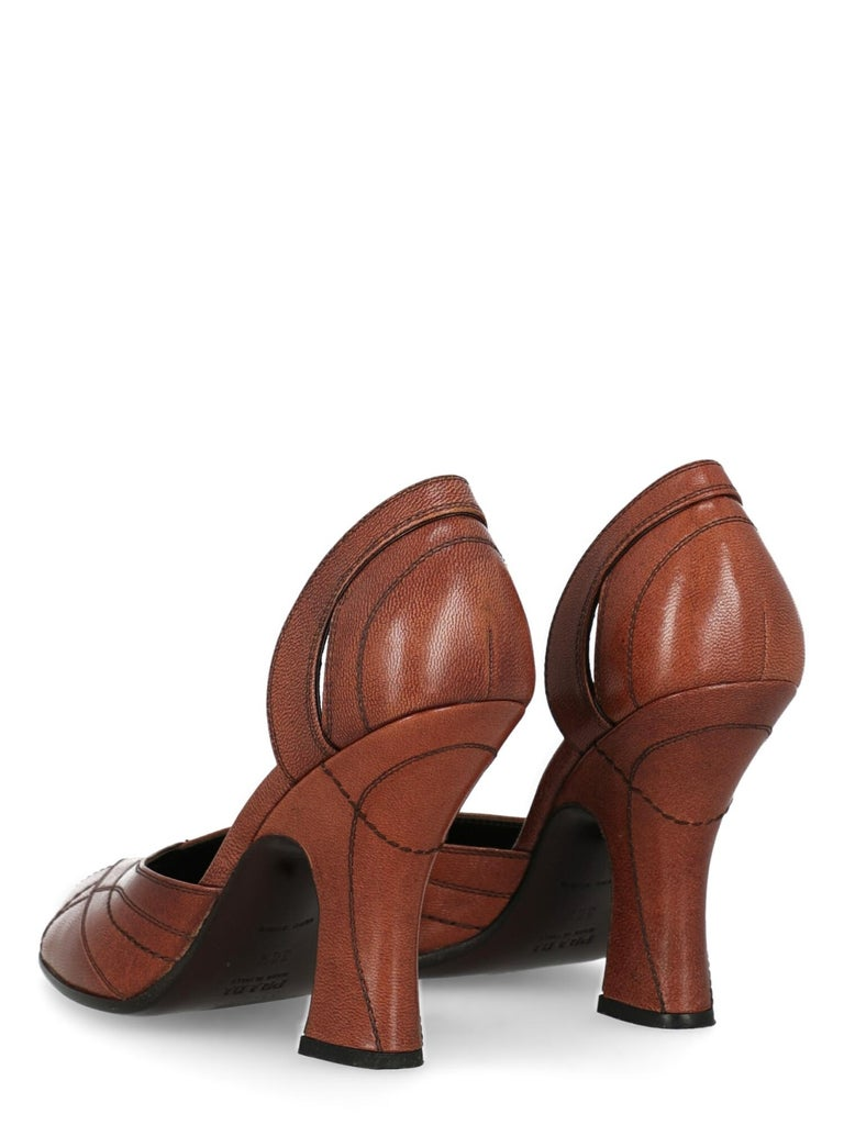 Prada  Women Pumps  Brown Leather EU 38.5 In Good Condition For Sale In Milan, IT