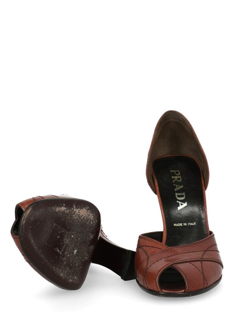 Women's Prada  Women Pumps  Brown Leather EU 38.5 For Sale