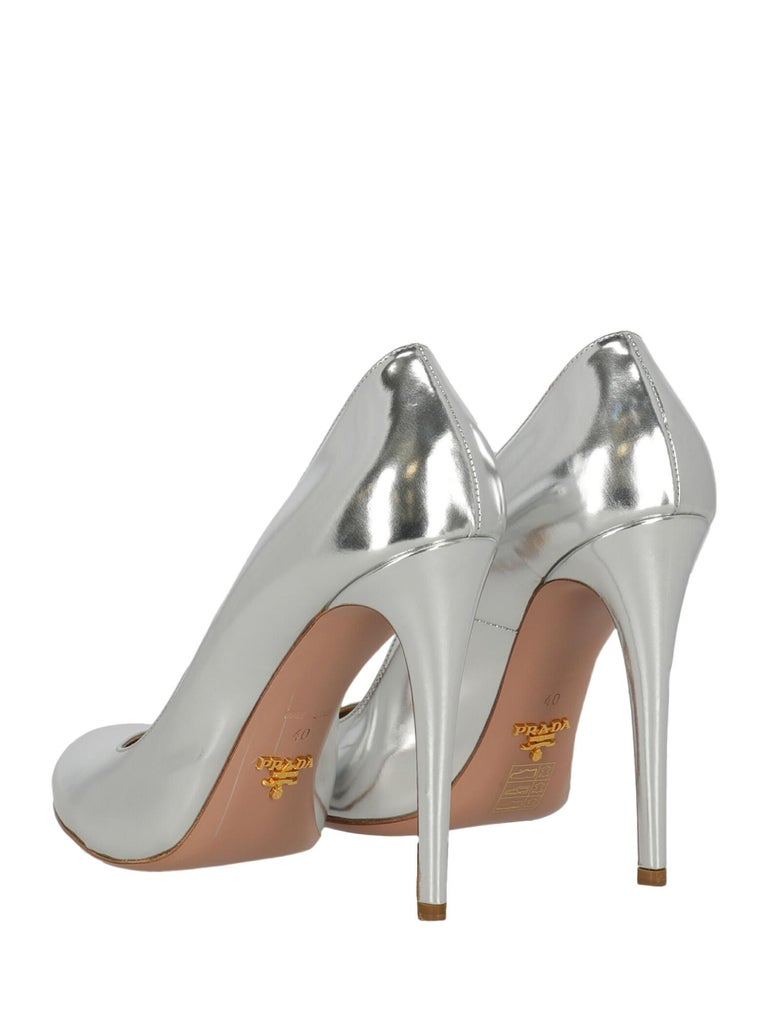 Prada  Women   Pumps  Silver Leather EU 40 In Good Condition For Sale In Milan, IT
