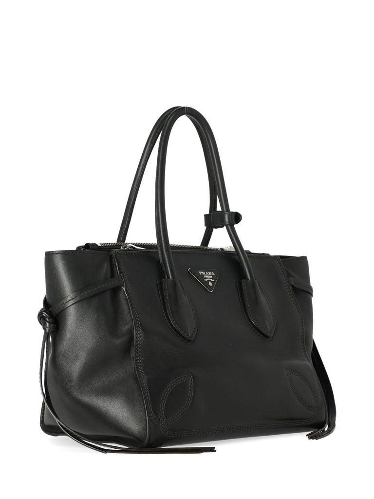 Prada Women's Tote Bag Black In Fair Condition For Sale In Milan, IT