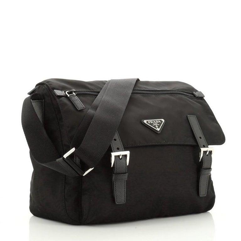 Prada Zip Buckle Messenger Bag Tessuto Medium In Good Condition In New York, NY