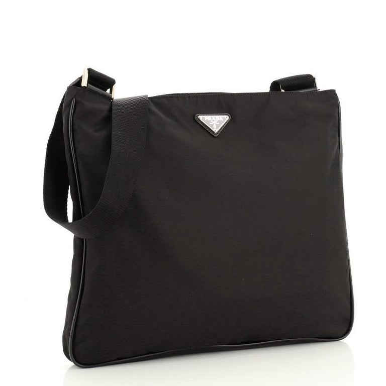 Prada Zip Top Messenger Bag Tessuto Large In Good Condition For Sale In New York, NY