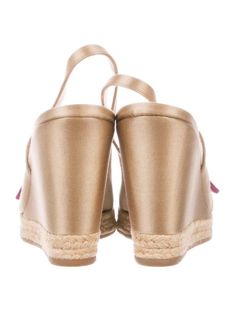 Prado Satin Raso Caramel Wedge Heel Sandals with Floral Flower Trimming For Sale 3