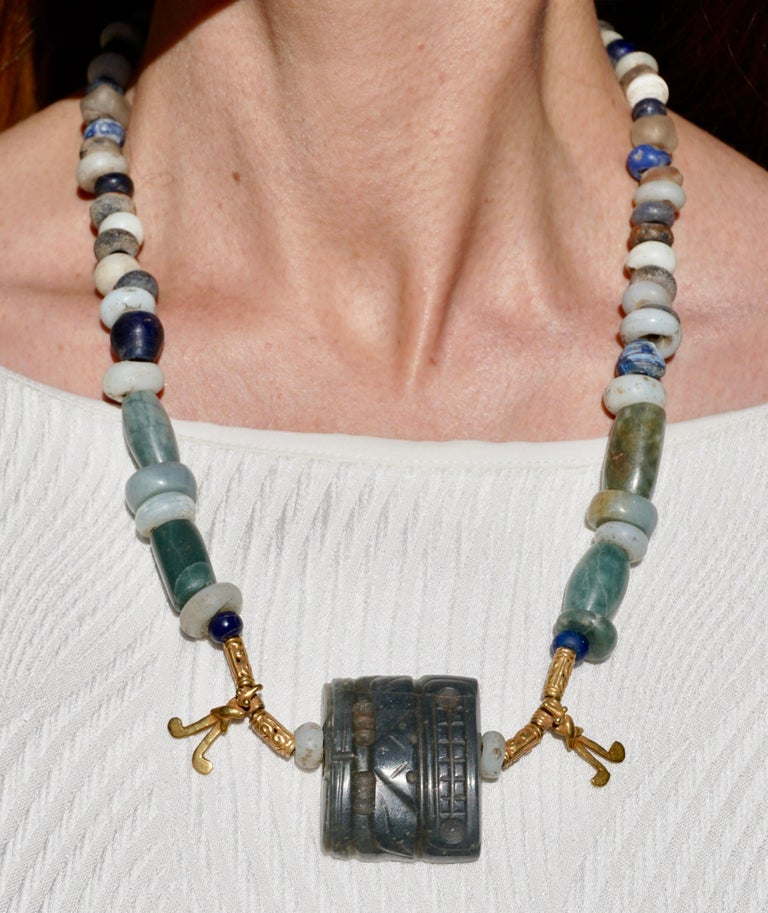 Pre Columbian Gold and Jade Necklace  In Good Condition For Sale In Dallas, TX