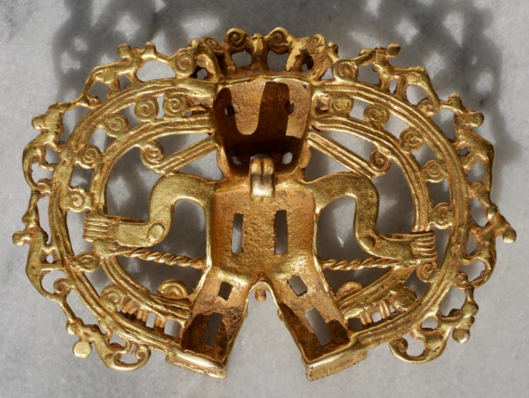 Pre Columbian Gold Shaman with Monkeys Pendant Diquís A.D. 1000-1500 In Excellent Condition For Sale In Dallas, TX