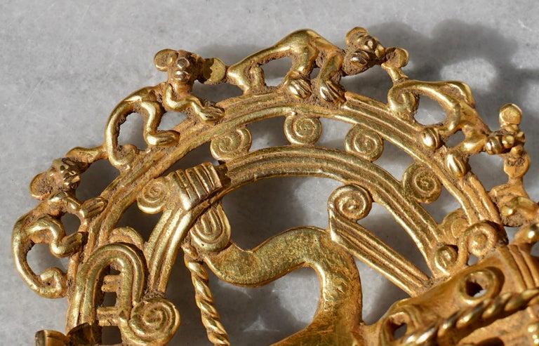 Pre Columbian Gold Shaman with Monkeys Pendant Diquís A.D. 1000-1500 For Sale 1
