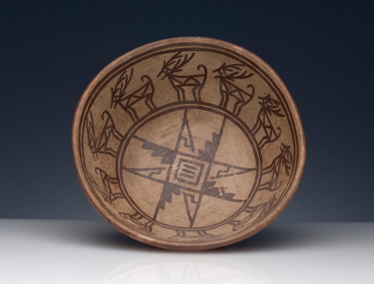 Pre-Columbian Narino Bowl with Deer In Excellent Condition For Sale In Washington, DC