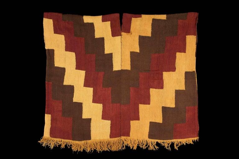 Pre-Columbian Nazca Stepped Textile Poncho, Nazca Peru, 200-400 AD For Sale 1