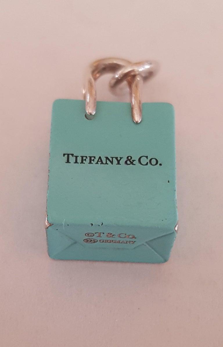 Pre-Owned Tiffany & Co. Silver Signature Blue Purse Pendant, Enamel Finish In Good Condition For Sale In Rancho Santa Fe, CA