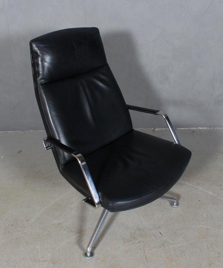 Preben Fabricius & Jørgen Kastholm lounge chair in black aniline leather.  Frame of brushed steel.  Model FK 86, made by Knoll.